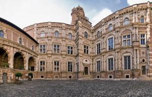 640px-Hôtel_d'Assézat,_toulouse_(panorama)